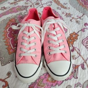 💗 Converse Chuck Taylor Neon Pink Sneakers 6m 8w